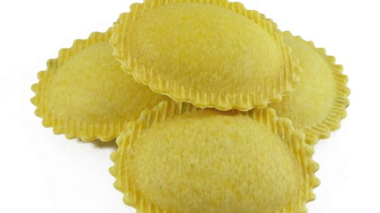 ravioli με τέσσερα τυριά (quattro formaggi), φρέσκα ζυμαρικά